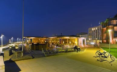 Fototapete - Norderney Platz Michsbar Promenade beleuchtet