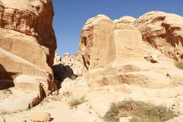 Каменный идол в каньоне Сик