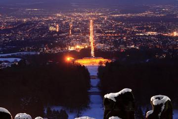 Kassel von oben bei Nacht