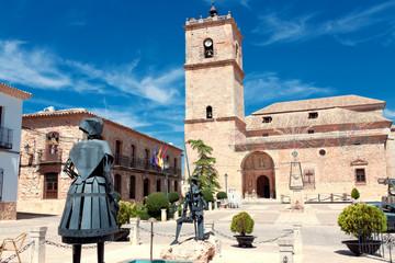 Sculptures Don Quixote and Dulcinea del Toboso in El Toboso