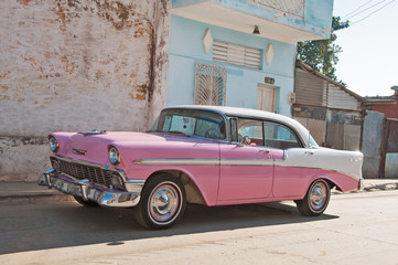 Pinker Ford