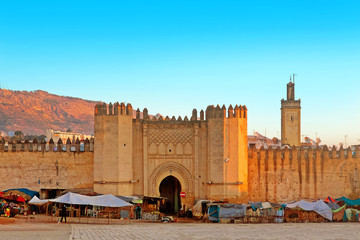 Photo sur Plexiglas Maroc Gate to ancient medina of Fez, Morocco