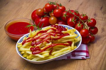 Patatas y tomate