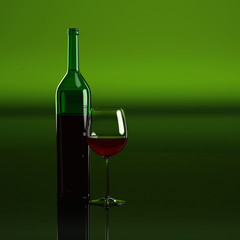 Gefülltes Weinglas vor grünem Hintergrund