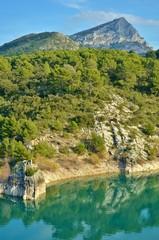 Montagne sainte victoire et lac de Bimont