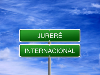 Jurere Internacional Welcome Sign