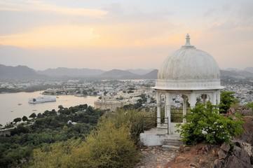 Pavillon with Udaipur city palace at Pichola lake, Udaipur