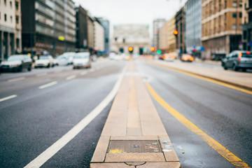 blurred city and people urban scene Fototapete