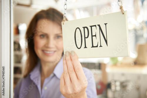Во сколько открывается и закрывается форекс