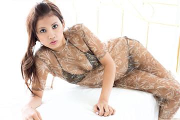 セクシー水着の女性