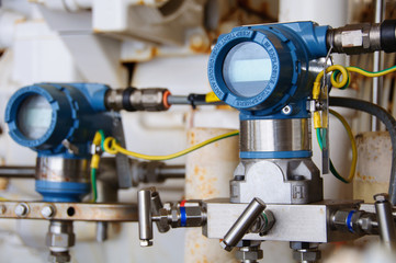 Foto op Aluminium Industrial geb. Pressure transmitter in oil and gas process