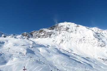 Hautes-Pyrénées enneigées