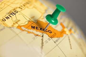 Spoed Fotobehang Mexico Location Mexico. Green pin on the map.
