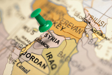 Foto op Plexiglas Midden Oosten Location Syria. Green pin on the map.