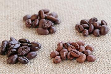 4種類のコーヒー豆