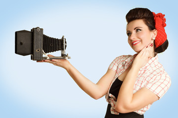 junge Frau fotografiert sich