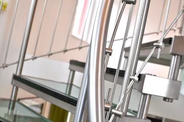Glastreppe mit Edelstahl