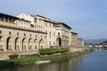 Arno river flowing through Florence next to Uffizi gallery