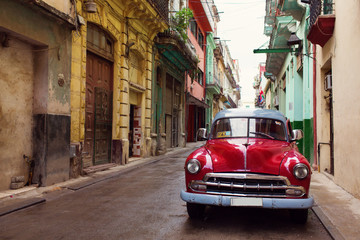 Spoed Fotobehang Havana Classic old car on streets of Havana, Cuba