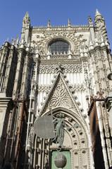Puerta del Príncipe de la Catedral de Sevilla, España.