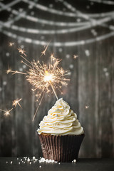 Wall Mural - Cupcake with sparkler