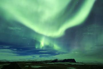 Islanda: l'aurora boreale, la notte illuminata a giorno