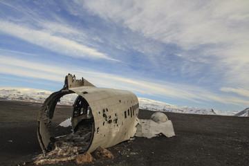 il relitto aereo abbandonato nella spiaggia di Sólheimasandur