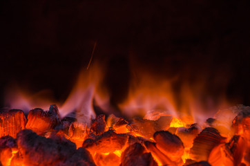 Photo sur cadre textile Feu, Flamme Hot coals in the fire