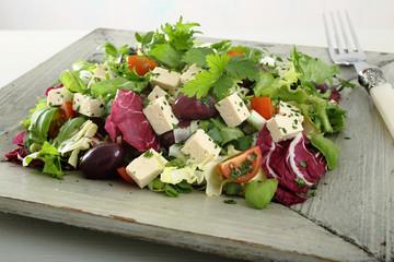 insalata mista con formaggio