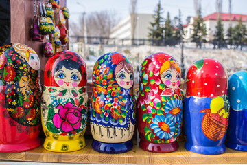 Russian Nesting Dolls in a Line