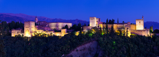 Wall Mural - Alhambra de Granada, giant panoramic at night. 10484x3744 p.