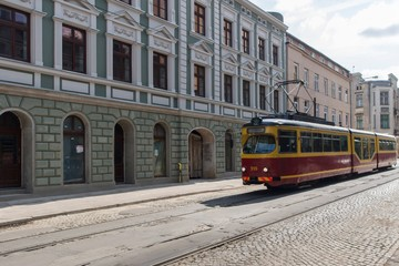 Fototapete - Tramwaj w centrum Łodzi