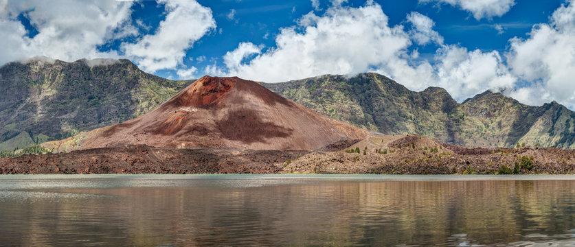 Rinjani, Danau Segara Anak, Gunung Baru