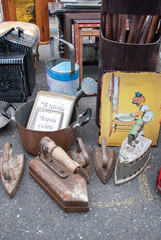 Old objects in an antiquary market