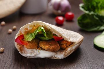 falafel in pita bread