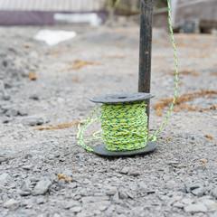 Maurerschnur auf dem Boden