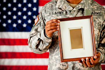 Soldier: Holding en Empty  Picture Frame
