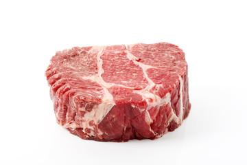 Rindfleisch, weißer Hintergrund