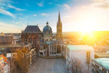 Aachener Dom im Frühling