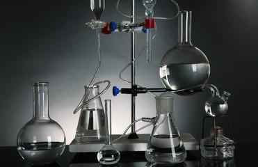 Fixed laboratory glassware