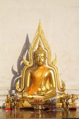 ワットチェディルアンの仏像