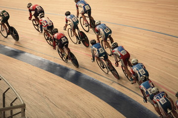 cyclists to ride fast in a curve  top view