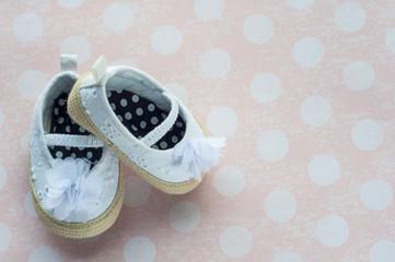 Zapatos de nena blancos