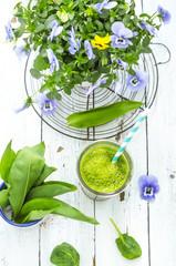 Bärlauch Smoothie mit Spinat