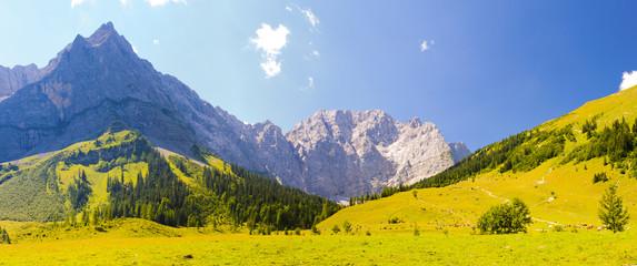 Wall Mural - Großer Ahornboden in den Alpen in Bayern