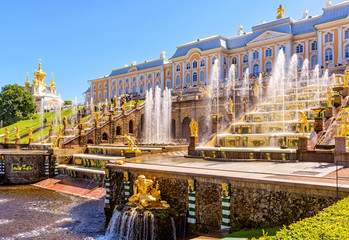 Fototapete - Peterhof Palace with Grand Cascade in St Petersburg