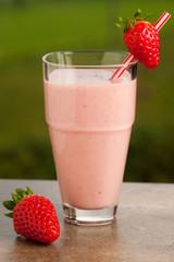Fotobehang Milkshake Strawberry smoothie refreshing fruit meal - healthy vegetarian f