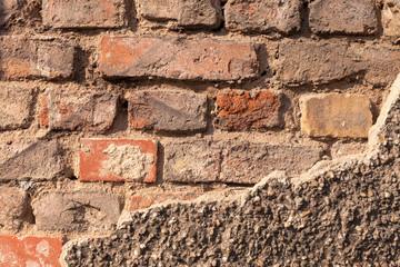 Backsteinmauer verfallen