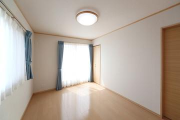 住まいの洋室 施工例   シンプル家具なし
