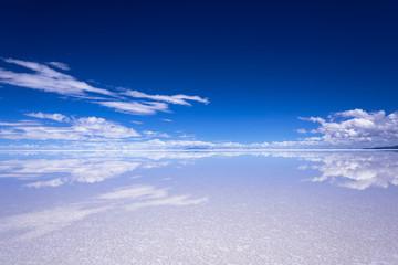Fototapete - ミラーレイク・ウユニ塩湖の絶景